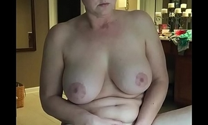 Hot milf please yourselves while watching porn