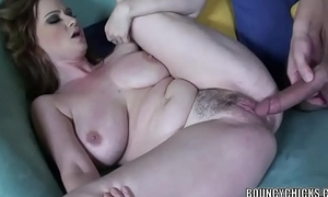 Curvy MILF Violet Addamson takes a dick involving her tight twat