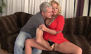 Curvy blonde mature just about natural boobs gets rewarded just about a good fuck