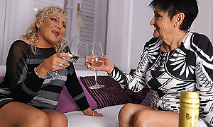 Two Naughty Mature Lsuts Go Lesbian - MatureNL